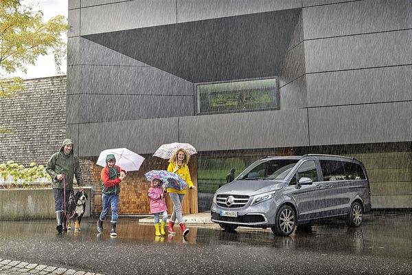 Modellpflege für die Mercedes-Benz Großraumlimousine