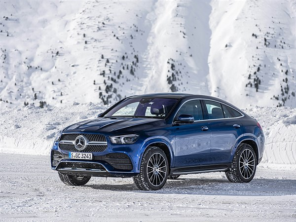 Mercedes_Benz_GLE_400_d_Coupe_brilliant_blue_metallic_Hochgurgl_2019