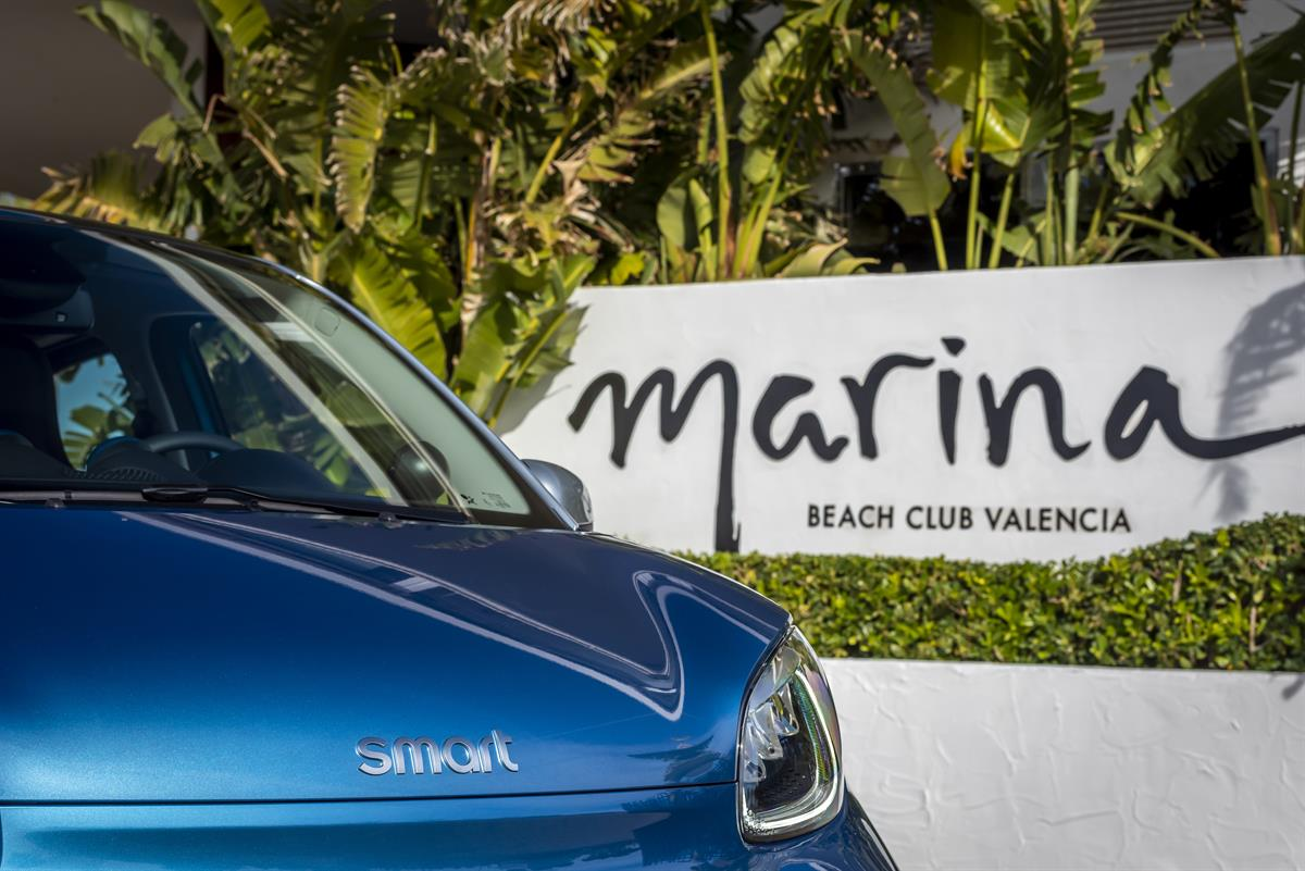 smart_EQ_forfour_steel_blue_Valencia_2020